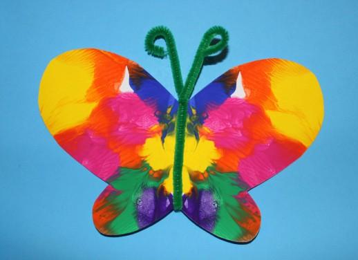 Pillangós szimmetria festés ovisoknak